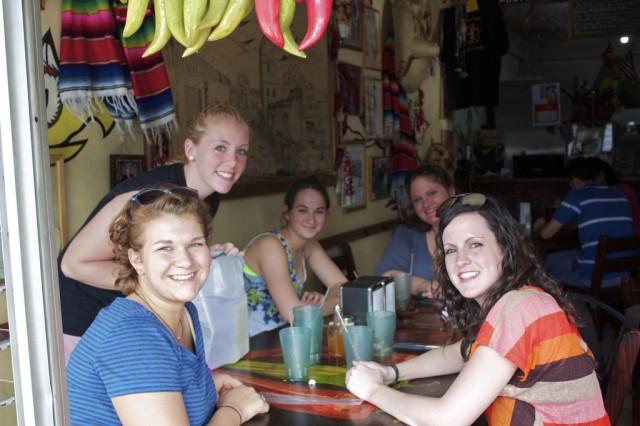 Spanish Vocabulary: Saying Hello and Goodbye