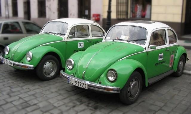 Mexico City Taxis via Wikimedia Commons