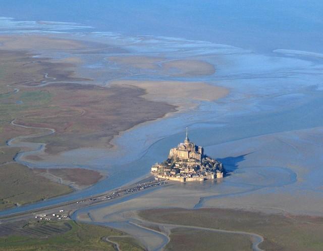 Folium: Mont Saint-Michel from Plane via Wikimedia Commons