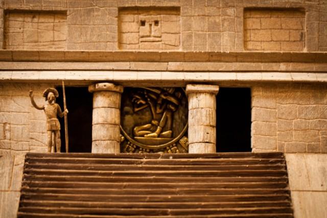 Folium: A Gigantic Chocolate Mayan Temple via Qzina.com