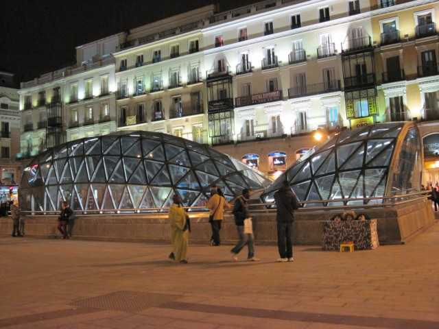 Spanish Reading Selections: The Madrid Metro System