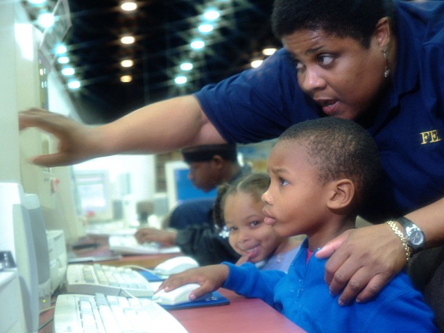Spanish Reading Tasks: FEMA - Listo Niños