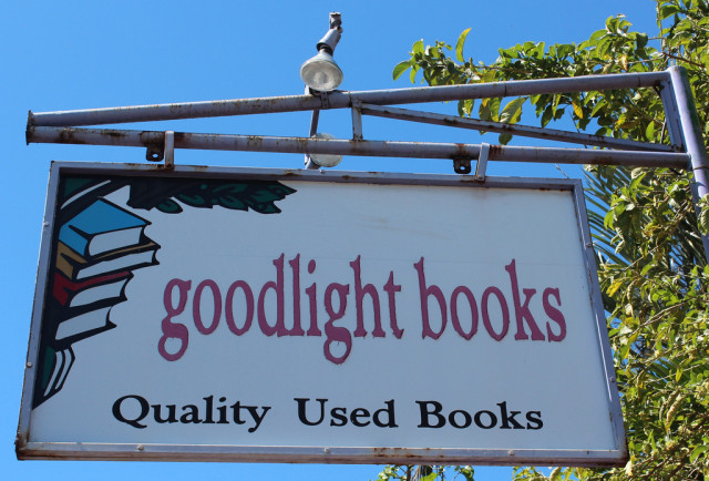 Terra: Goodlight Books, Alajuela Costa Rica